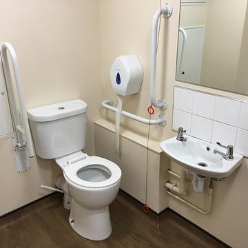 balliol college  toilet under the jcr  interior space