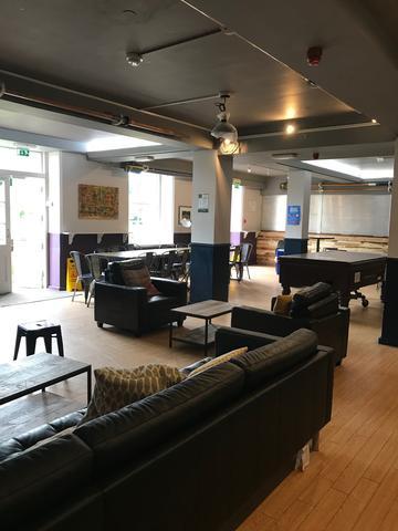 lmh bar interior 2:3