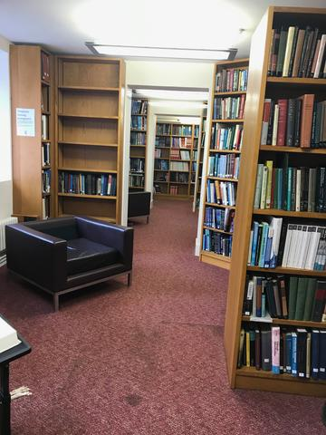 lmh library interior 1:4