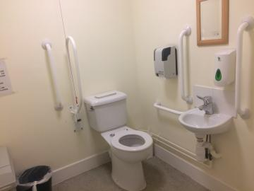 magdalen – toilet 3 (3:3)
